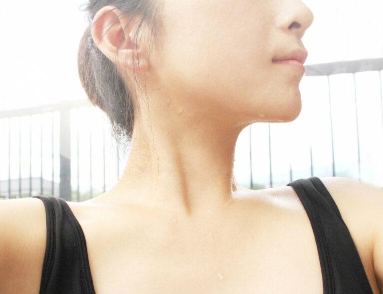 日常生活で困るほど多くの汗が出る疾患「多汗症」